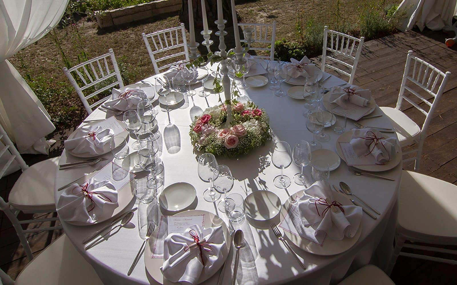 Tavoli, sedie per il catering, articoli per la tavola e il ...